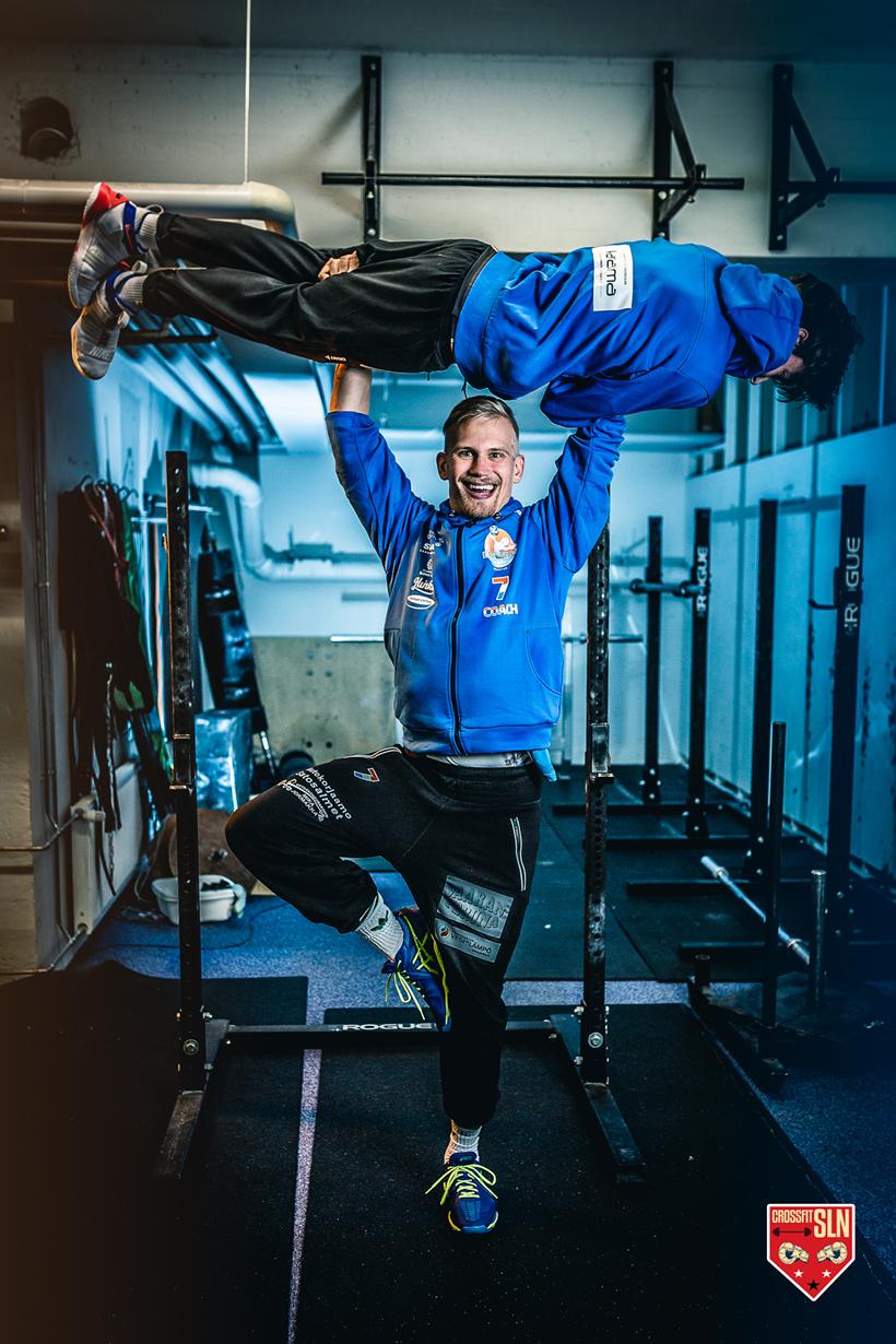 Työnäyte - East Volley lentopalloseura - valokuvaus, visuaalinen ja graafinen suunnittelu